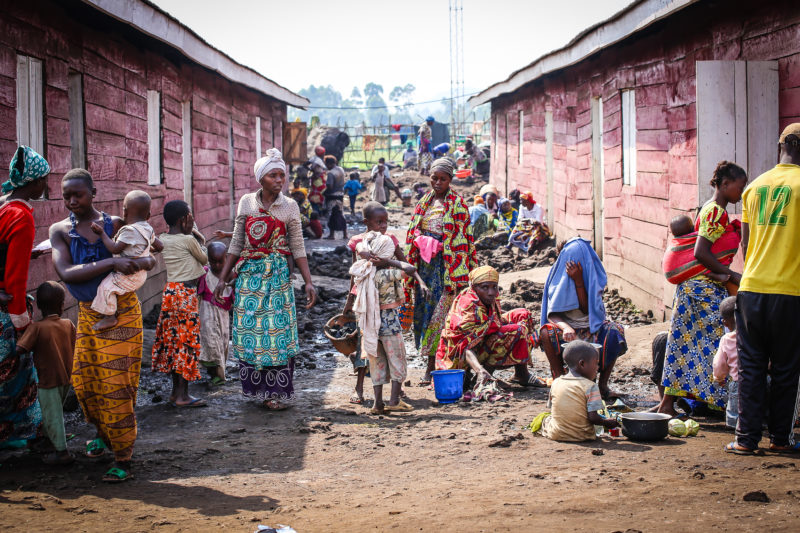 Congolese refugees living in cramped living conditions where cholera can spread quickly