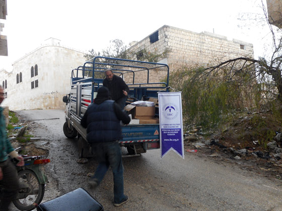 A shipment of medical supplies arrives in Syria through our partner, International Blue Crescent (IBC)