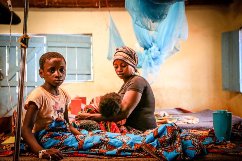 refugee-malaria-girl